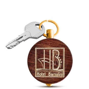 portachiavi-legno-ottone-hotel